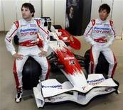 """<p>A Toyota esteve próxima de seguir os passos da Honda e deixar a Fórmula 1 após a rival japonesa ter anunciado em dezembro que estava abandonado o esporte para cortar custos"""", disse à Reuters o chefe da equipe Toyota de F1, Tadashi Yamashina, na segunda-feira. REUTERS/Yuriko Nakao(JAPÃO)</p>"""