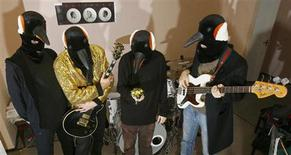 "<p>Musicians dressed in penguin masks from the ""Nothing Special"" band rehearse in Riga February 25, 2009. REUTERS/Ints Kalnins</p>"