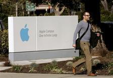<p>As vendas unitárias de computadores Mac, da Apple, caíram 16 por cento em fevereiro nos Estados Unidos, enquanto netbooks de baixo custo ajudaram a elevar em 22 por cento as vendas de computadores Windows, informou o grupo de pesquisa NPD.</p>