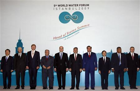 (L-R) South Korean Prime Minister Han Seung-soo, Morocco's Prime Minister Abbas El Fassi, Dutch Prince Willem-Alexander, Iraqi President Jalal Talabani, Prince Albert of Monaco, Turkey's President Abdullah Gul, Tajikistan's President Emomali Rahmon, Japanese Crown Prince Naruhito, Tuvalu Prime Minister Maatia Toafa and Kyrgyzstan's Prime Minister Igor Chudinov pose for a family photo during the 5th World Water Forum in Istanbul March 16, 2009. Government ministers from 120 countries, scientists and campaigners meet in Istanbul this week to discuss how to avert a global water crisis and ease tensions between states fighting over rivers, lakes and glaciers. REUTERS/Osman Orsal