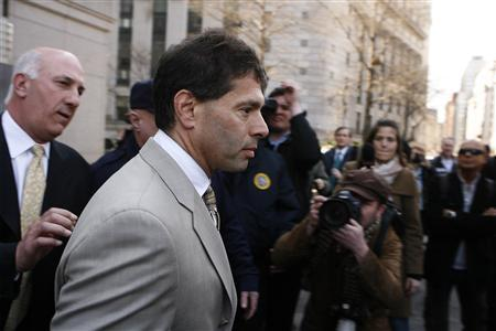 David Friehling, an accountant with ties to disgraced financier Bernard Madoff, leaves the Manhattan federal courthouse in New York March 18, 2009. REUTERS/Lucas Jackson