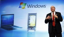 <p>L'ad di Microsoft Steve Ballmer. REUTERS/Albert Gea</p>