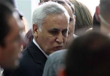 Israel's former president Moshe Katsav appears in Jerusalem Magistrates court, April 8, 2008. REUTERS/Yossi Zamir/Pool