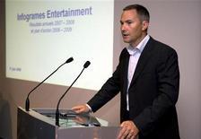 <p>Le directeur général d'Infogrames, David Gardner. L'éditeur de jeux vidéo va vendre à son partenaire Namco Bandai Games la participation de 66% qu'il détenait dans le capital de Distribution Partners, une co-entreprise dans le secteur des jeux vidéo. /Photo prise le 17 juin 2008/REUTERS/Philippe Wojazer</p>