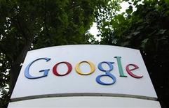 <p>Google cherche à pourvoir environ 360 postes, alors que le groupe a annoncé cette semaine une troisième vague de licenciements depuis le début de l'année. /Photo d'archives/REUTERS/Clay McLachlan</p>