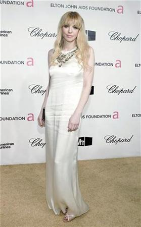 Musician Courtney Love arrives at the 16th Annual Elton John AIDS Foundation Party to celebrate the Academy Awards at the Pacific Design Center in West Hollywood, California February 24, 2008. REUTERS/Danny Moloshok