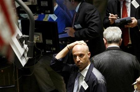 Traders work on the floor of the New York Stock Exchange March 30, 2009. REUTERS/Shannon Stapleton