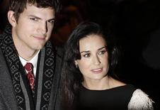 "<p>Actress Demi Moore and actor Ashton Kutcher arrive for the premiere of ""Flawless"" in London November 26, 2008. REUTERS/Stephen Hird</p>"