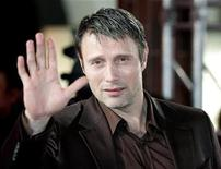 <p>Danish actor Mads Mikkelsen arrives at the European Film Awards in Warsaw December 2, 2006. REUTERS/Katarina Stoltz</p>