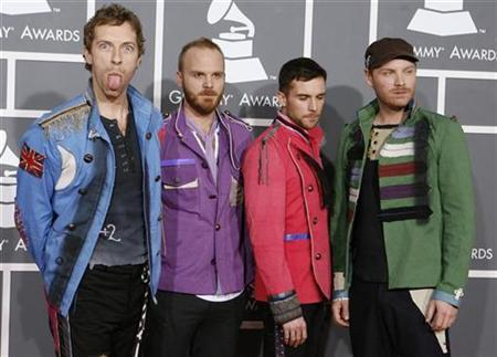 Members of the band Coldplay, Chris Martin, Will Champion, Guy Berryman and Jonny Buckland (L-R), arrive at the 51st annual Grammy Awards in Los Angeles February 8, 2009. REUTERS/Danny Moloshok