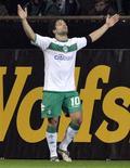 <p>O meia brasileiro Diego comemora após marcar gol do Werder Bremen sobre a Udinese pela Copa da Uefa. REUTERS/Morris Mac Matzen</p>