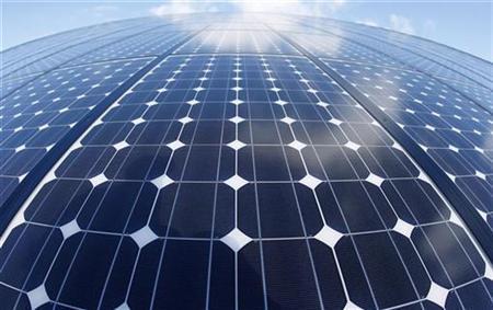 A view of solar panels, February 12, 2009. REUTERS/Vincent Kessler