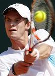 <p>Tenista britânico Andy Murray durante jogo contra o romeno Victor Hanescu pelo Masters de Monte Carlos. Murray venceu por 6-3 6-2. REUTERS/Eric Gaillard</p>