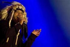 <p>Jay Kay of the British band Jamiroquai performs at the Aguaviva Canarias Festival in Las Palmas on the Spanish Canary Island of Gran Canaria June 13, 2008. REUTERS/Borja Suarez</p>