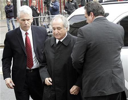 Bernard Madoff enters the Manhattan federal courthouse in New York, March 10, 2009. REUTERS/Shannon Stapleton