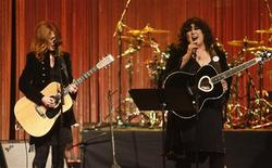 """<p>Nancy (L) and Ann Wilson of """"Heart"""" perform at the 26th annual ASCAP Pop Music Awards in Hollywood, California April 22, 2009. REUTERS/Fred Prouser</p>"""