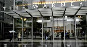 <p>Le bénéfice du groupe américain de médias Time Warner est presque inchangé au titre du premier trimestre, une période marquée par la baisse des recettes publicitaires dans l'édition comme dans la division internet AOL. /Photo d'archives/REUTERS/Nicholas Roberts</p>