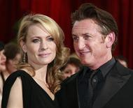 "<p>Sean Penn, best actor nominee for his role in the film ""Milk,"" and his wife, actress Robin Wright Penn, arrive at the 81st Academy Awards in Hollywood, California in this file photo fromFebruary 22, 2009. REUTERS/Jason Reed</p>"