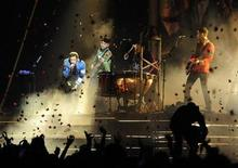 <p>British band Coldplay perform at the Brit Awards at Earls Court in London in this file photo from February 18, 2009. REUTERS/Dylan Martinez</p>