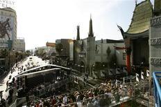 """<p>Uma visão geral da estreia do filme """"Star Trek"""" no Grauman's Chinese theatre em Hollywood. 30/04/2009. REUTERS/Mario Anzuoni</p>"""