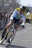 """<p>Велогонщик """"Астаны"""" Лэнс Армстронг в гонке Amgen Tour в Калифорнии 20 февраля 2009 года. Велогонщики из команды """"Астана"""" не получили зарплату за март, за что казахской команде будет вынесено предупреждение от Международного союза велосипедистов (UCI), сообщил глава организации во вторник. REUTERS/Phil Klein</p>"""