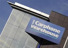 <p>Carphone Warehouse, première chaîne indépendante de distribution de téléphones portables en Europe, rachète les activités britanniques du fournisseur d'accès à internet italien Tiscali pour 236 millions de livres (265 millions d'euros) en numéraire. /Photo d'archives/REUTERS/Toby Melville</p>