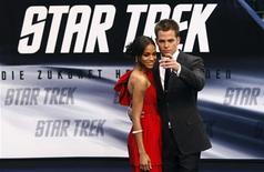"""<p>Atores Zoe Saldana e Chris Pine na estreia do filme """"Star Trek"""" em Berlim. 16/04/2009. REUTERS/Fabrizio Bensch</p>"""