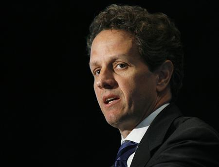 U.S. Treasury Secretary Timothy Geithner speaks to the annual meeting of the Independent Community Bankers of America in Washington May 13, 2009. REUTERS/Jim Bourg