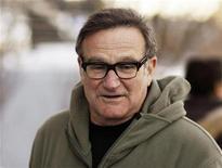 """<p>Foto de archivo del actor y comediante Robin Williams en el estreno de """"World's Greatest Dad"""" en el Festival de Cine Sundance en Park City, Utah, 18 ene 2009. El comediante Robin Williams, quien se recupera de una operación al corazón, retomará en septiembre su gira de presentaciones """"Weapons of Self-Destruction"""", dijo el miércoles su representante. REUTERS/Lucas Jackson/Archivo</p>"""