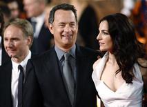 """<p>Autor Dan Brown e os atores Tom Hanks e Ayelet Zurer na estreia de """"Anjos e Demônios""""em Roma. 04/05/2009. REUTERS/Tony Gentile</p>"""