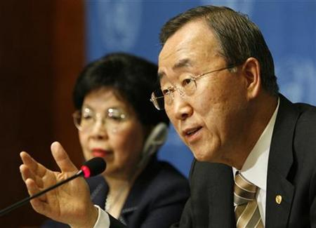 United Nations Secretary-General Ban Ki-moon (R) speaks to WHO Director-General Margaret Chan during the 62nd World Health Assembly at the United Nations European headquarters in Geneva May 19, 2009. REUTERS/Denis Balibouse