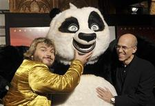 <p>Actor Jack Black (L) and Dreamworks Animation SKG Chief Executive Jeffrey Katzenberg (R) pose on the red carpet at the Australian premiere of Kung Fu Panda in conjunction with the Opening Gala Night of the Sydney Film Festival's Kids' Program at the state Theatre in Sydney June 09, 2008. REUTERS/Patrick Riviere</p>