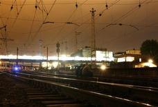 """<p>Железнодорожные пути у вокзала в Тбилиси 26 мая 2009 года Представители железнодорожной компании Грузии назвали """"терактом"""" произошедший рано утром во вторник взрыв на участке Грузинской железной дороги на западе страны. REUTERS/David Mdzinarishvili</p>"""