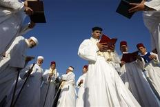 <p>Members of the Samaritan sect pray during the traditional pilgrimage marking the holiday of Shavuot atop Mount Gerizim near the West Bank city of Nablus in this May 31, 2009 file photo. REUTERS/Ammar Awad/Files</p>