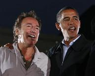 <p>Il presidente Usa Barack Obama con Bruce Springsteen. REUTERS/Jason Reed (UNITED STATES) US PRESIDENTIAL ELECTION CAMPAIGN 2008 (USA)</p>