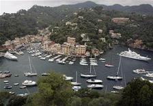 <p>A general view of the northern Italian coastal town of Portofino June 15, 2007. REUTERS/Dario Pignatelli</p>