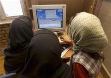 <p>Protesta iraniana alimentata dal web, tra blogosfera e Twitter. REUTERS/Stringer</p>