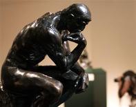 <p>O Pensador, o trabalho mais famoso de Auguste Rodin, exibido no museu Sabanci em Istambul. 12/06/2006. REUTERS/Fatih Saribas</p>