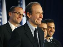 <p>Attorney David Boies (2nd L) addresses a news conference announcing a federal lawsuit to halt California's same-sex marriage ban, in Los Angeles May 27, 2009. Ted Olson and Boies, who squared off in the legal case that determined the 2000 U.S. presidential election, teamed up to challenge California's gay marriage ban in a move that if successful would allow same-sex couples to wed anywhere in the United States. The lawsuit, filed on behalf of two same-sex California couples barred from marrying under the voter-approved measure, Proposition 8 (Prop 8), puts them at odds with gay rights advocates who see a federal court challenge as risky. Also present were Chad Griffin (L), board president of American Foundation for Equal Rights, plaintiffs Jeffrey Zarrillo (2nd R) and Paul Katami (R). REUTERS/ Fred Prouser</p>