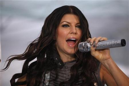 Fergie of the Black Eyed Peas performs on NBC's 'Today' show in New York June 12, 2009. REUTERS/Eric Thayer