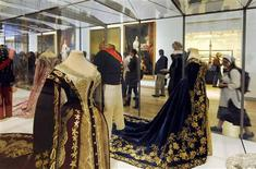 "<p>Members of the media attend a preview of ""At the Russian Court"" exhibition at the Hermitage Amsterdam museum June 18, 2009. The exhibition presents more than 1,800 treasures from St Petersburg. Russia's President Dmitry Medvedev and Netherlands' Queen Beatrix will officially open the museum on Friday. REUTERS/Toussaint Kluiters/United Photos</p>"