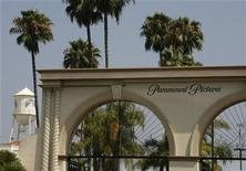 <p>The main gate to Paramount Pictures Studios, a division of Viacom, Inc. is pictured in Los Angeles, California July 29, 2008. REUTERS/Fred Prouser</p>