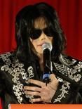 <p>Foto de arquivo de Michael Jackson durante entrevista coletiva na O2 Arena, em Londres, para anunciar uma séries de shows na cidade, em março REUTERS/Stefan Wermuth</p>