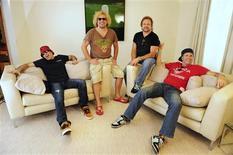 <p>Membros da banda Chickenfoot em Londres. 25/06/2009. REUTERS/Nigel Roddis</p>