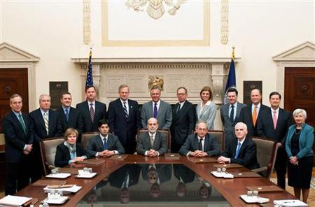 Front row (L-R): Governor Elizabeth Duke, Governor Kevin Warsh, Chairman Bernanke, Vice Chairman Donald Kohn, Governor Daniel Tarullo. Back row (L-R): New York Fed President William Dudley, Boston Fed President Eric Rosengren, St. Louis Fed President James Bullard, Chicago Fed President Charles Evans, Kansas City Fed President Thomas Hoenig, Dallas Fed President Richard Fisher, Minneapolis Fed President Gary Stern, Cleveland Fed President Sandra Pianalto, Atlanta Fed President Dennis Lockhart, Philadelphia Fed President Charles Plosser, Richmond Fed President Jeffrey Lacker, San Francisco Fed President Janet Yellen. Taken March 19, 2009. REUTERS/Joe Pavel/Federal Reserve Board/Handout