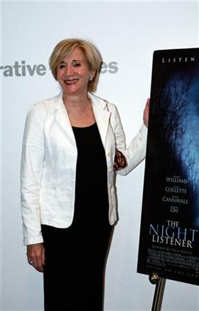 Actress Olympia Dukakis arrives at the New York premiere of ''The Night Listener'' at the Museum of Modern Art in New York City August 1, 2006. REUTERS/Eric Thayer