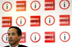 <p>Il presidente di Oracle Charles Phillips durante una conferenza stampa a Mumbai. REUTERS/Punit Paranjpe</p>