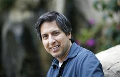 "<p>El actor Ray Romano, quien provee la voz del mamut Manny en el filme animado ""Ice Age: Dawn of the Dinosaurs"", posa en Marina del Rey, California, jun 8 2009. REUTERS/Mario Anzuoni (UNITED STATES)</p>"