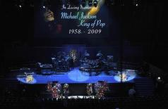 <p>Staples Center antes do início do funeral de Michael Jackson em Los Angeles. 07/07/2009. REUTERS/Pool-Andrew Gombert</p>