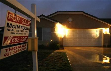 A house for sale is pictured in Fontana, California in this picture taken February 5, 2009. REUTERS/Mario Anzuoni